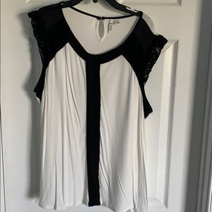 Elle black & white sleeveless top